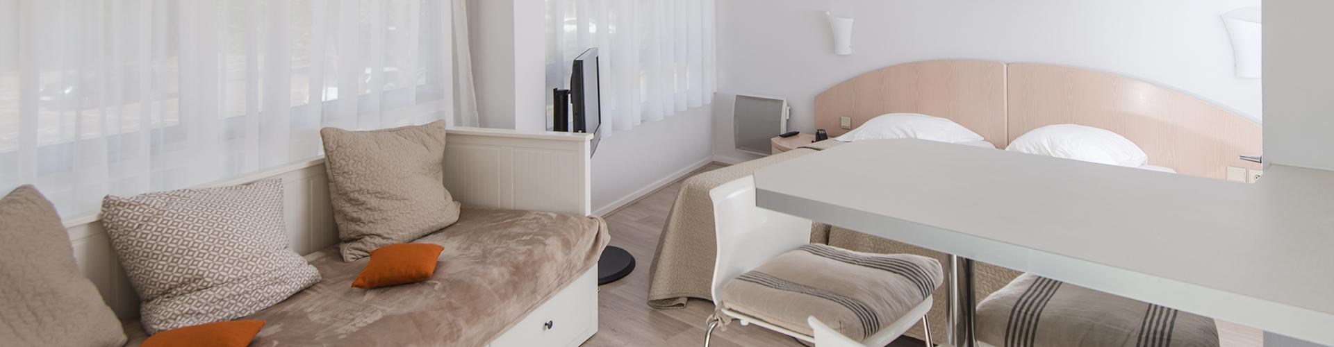La r sidence avec appartement location dinard for Appart hotel dinard