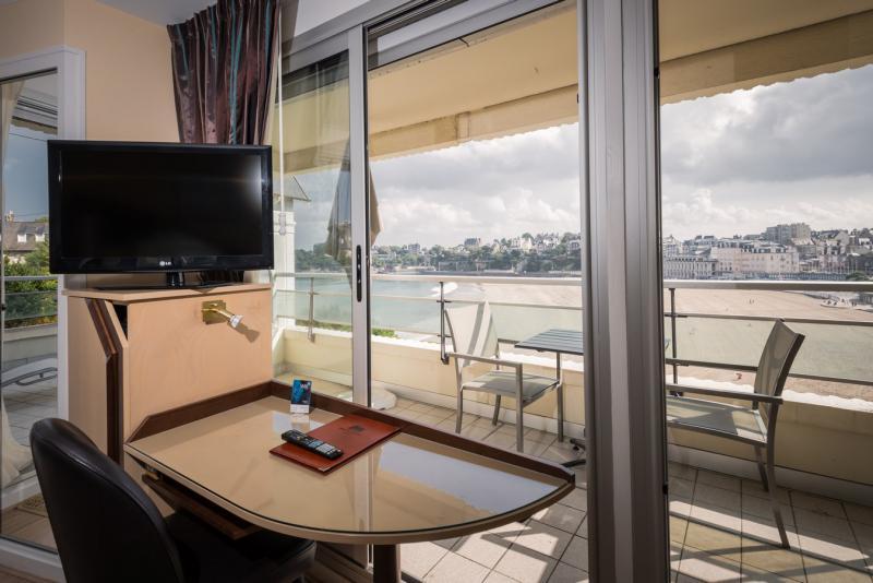 Un hôtel, vue mer, un grand confort le tout à Dinard
